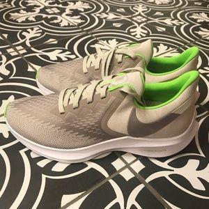 Nike Zoom Winflo 6 Running Shoe